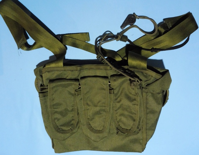 'rigger-made' chest pouches Chest_10