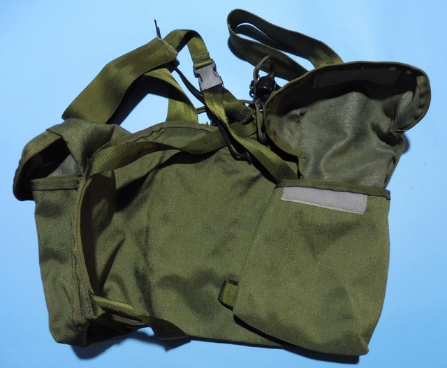 'rigger-made' chest pouches Chest_11