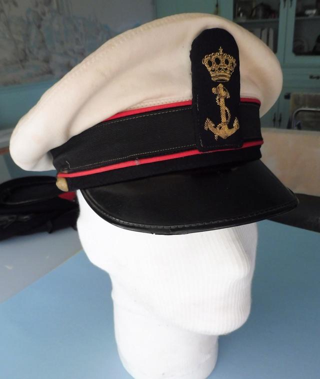 Marine uniform and headgear P1080710