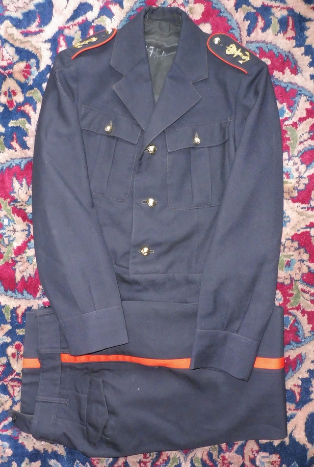 Marine uniform and headgear P1080711