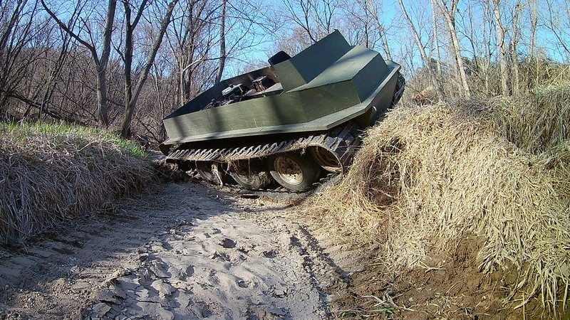 Amphibious Tractor - Page 4 20170250