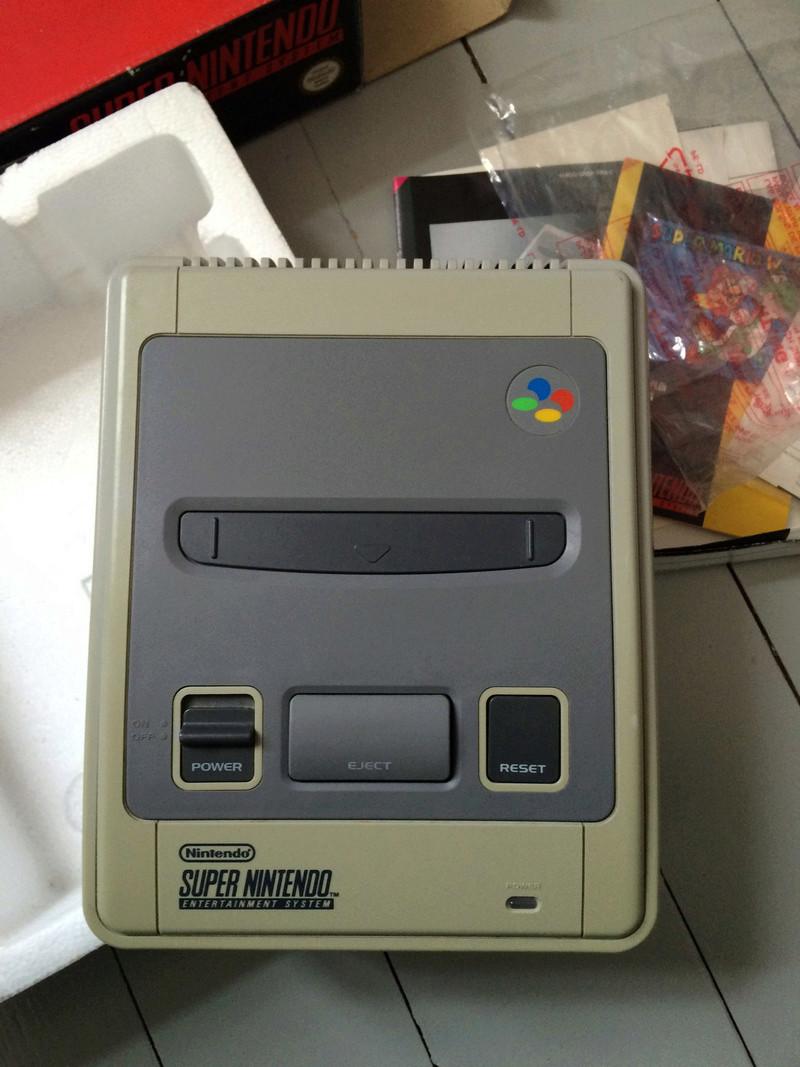 [ ESTIMATION ] Super Nintendo switché en boite + Jeux + RGB  Img_1313