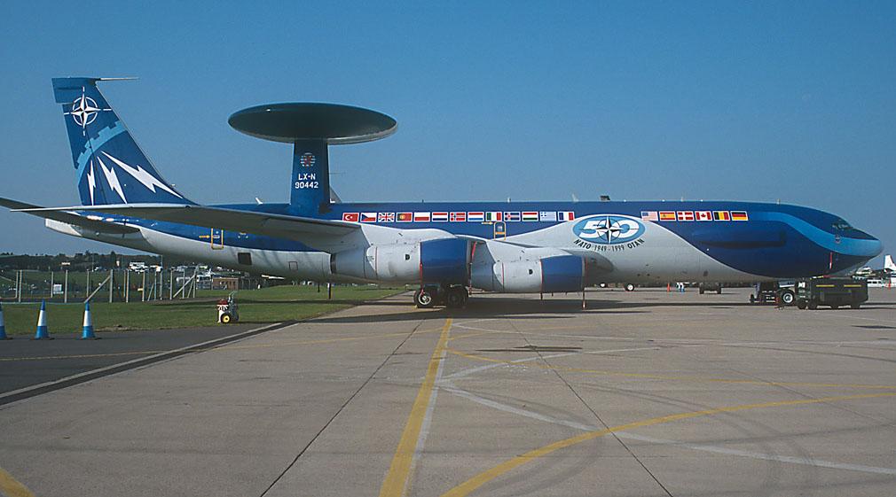 Boeing E-3 B awacs Heller 1/72 Awacs_11