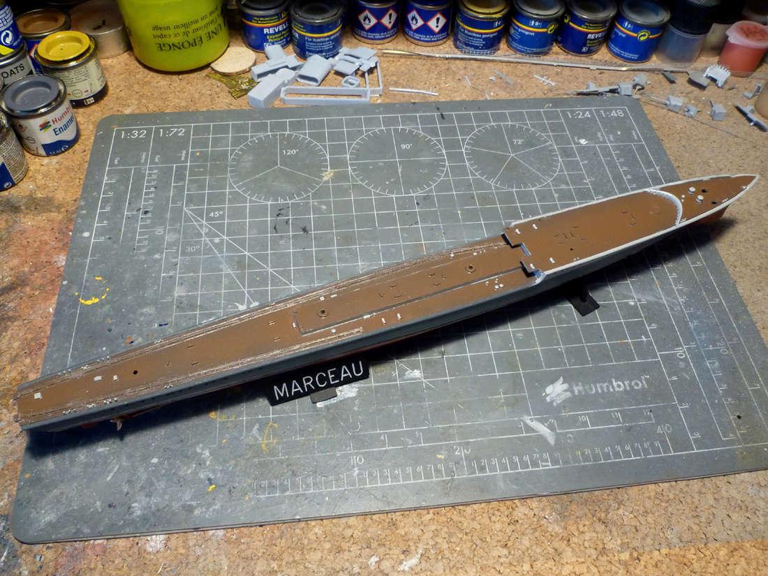 Montage du Contre-torpilleur Marceau 1/400  - Page 2 Marcea17