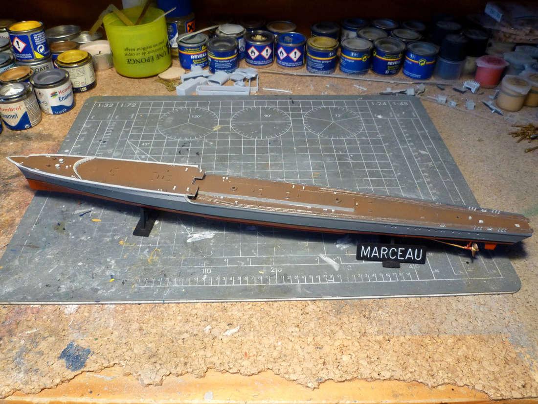 Montage du Contre-torpilleur Marceau 1/400  - Page 2 Marcea18
