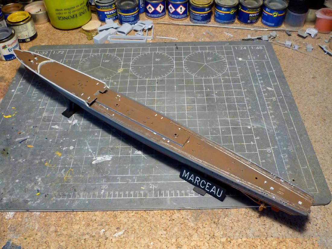 Montage du Contre-torpilleur Marceau 1/400  - Page 2 Marcea19