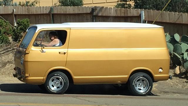 GMC Jacke's van - Page 18 Goldie10