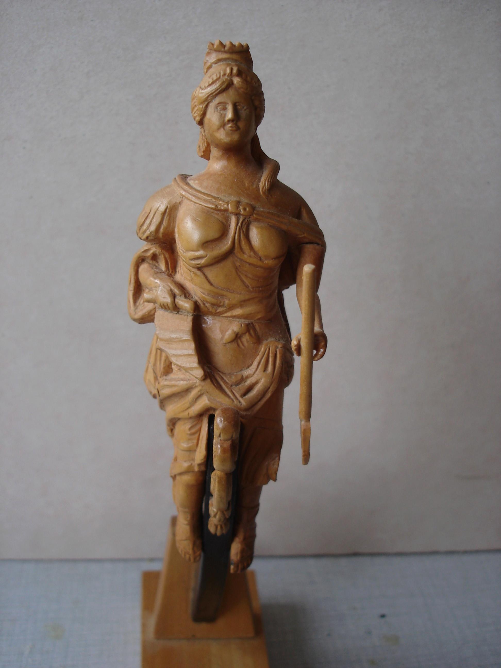 sculpture artésien et royal georges Dsc03111