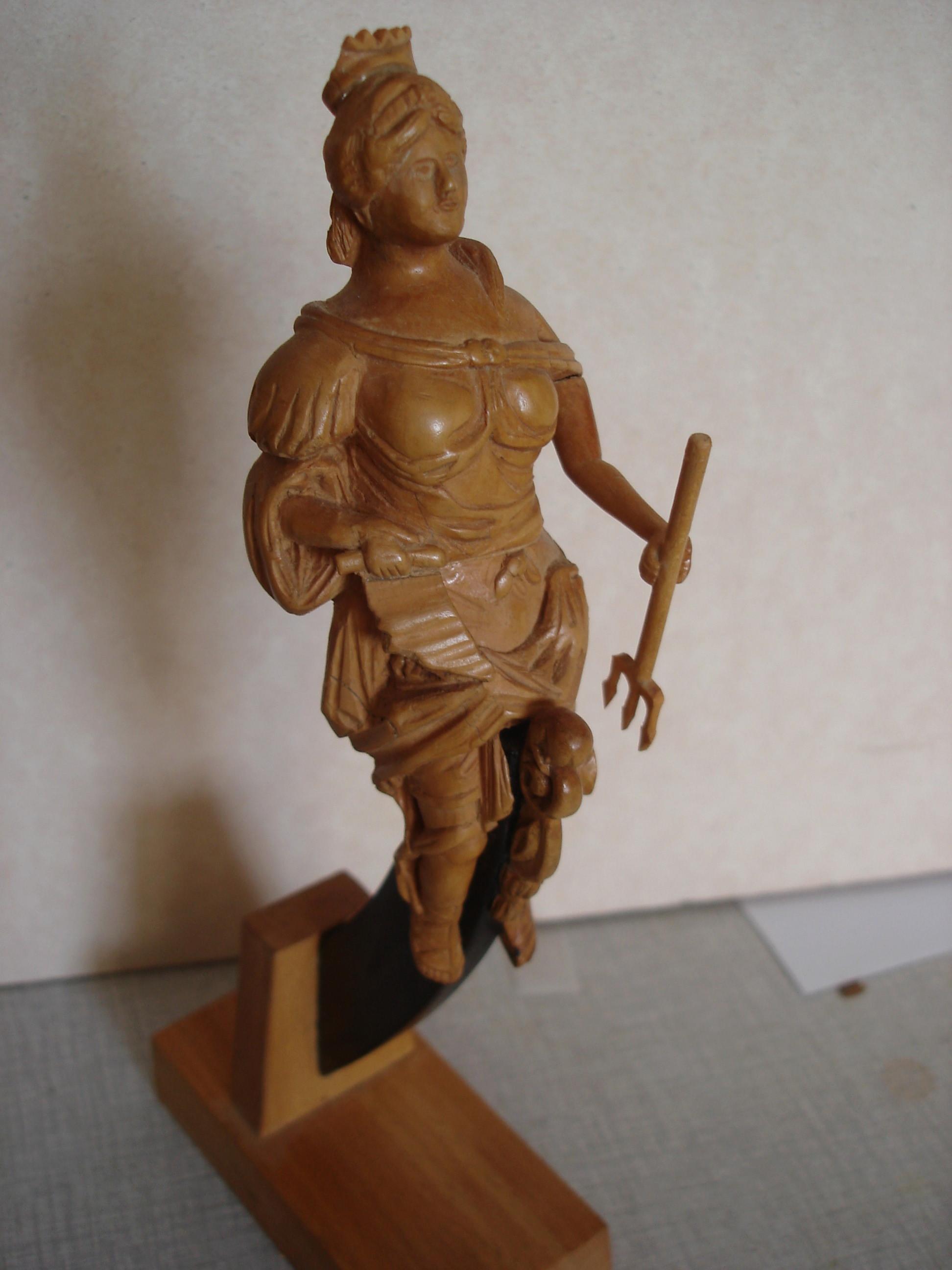 sculpture artésien et royal georges Dsc03112