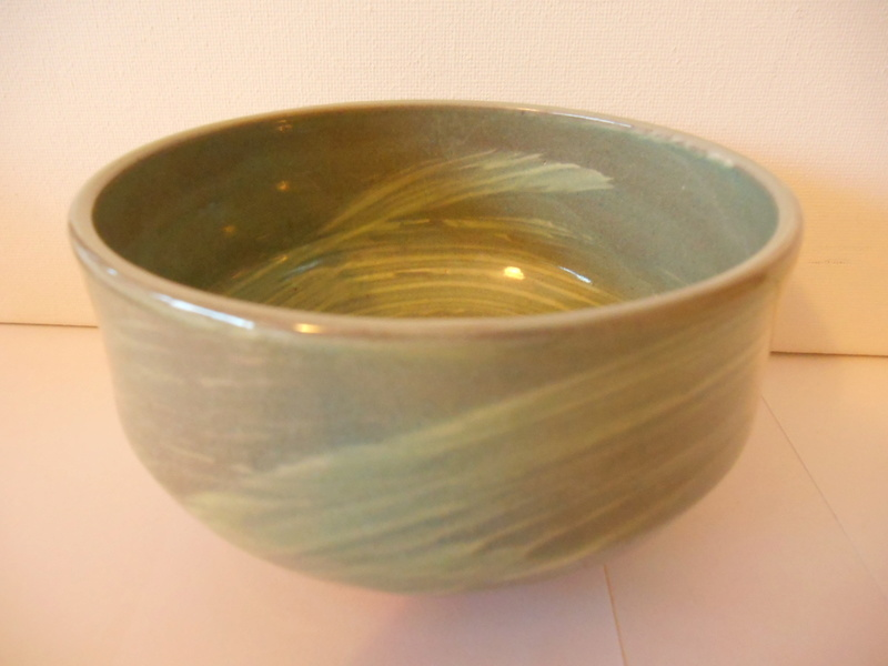 Triangle etc impressed mark -Green Glazed Earthenware Bowl - ID help please Dscn4618