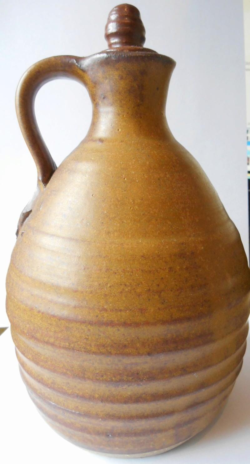 Rustic Stoneware Jug - Help identify mark please Dscn5812