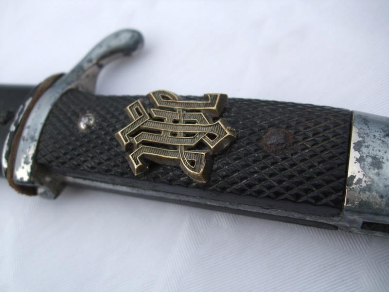 Insigne d'épaulette LAH sur une baio.. Lah_810