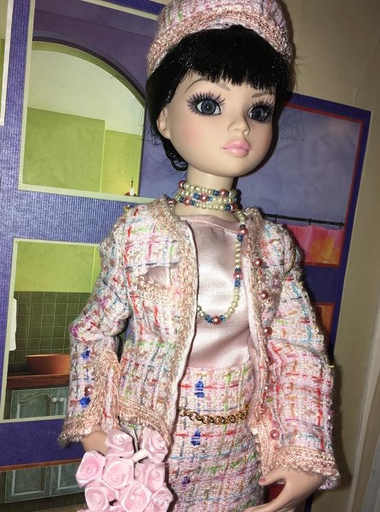 Miss Barbara, une Ellowyne en Chanel - Page 3 66700d12