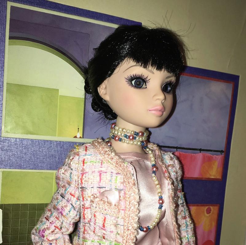 Miss Barbara, une Ellowyne en Chanel - Page 3 Img_1631