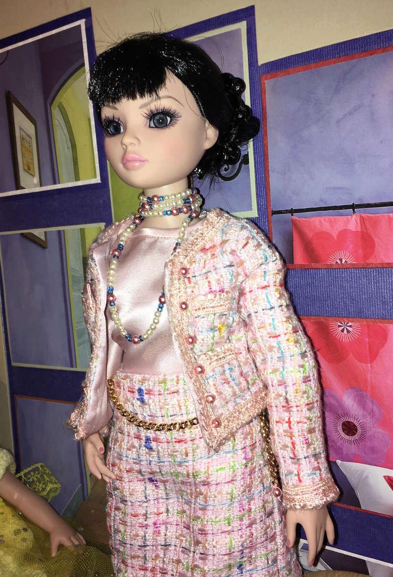 Miss Barbara, une Ellowyne en Chanel - Page 3 Img_1633