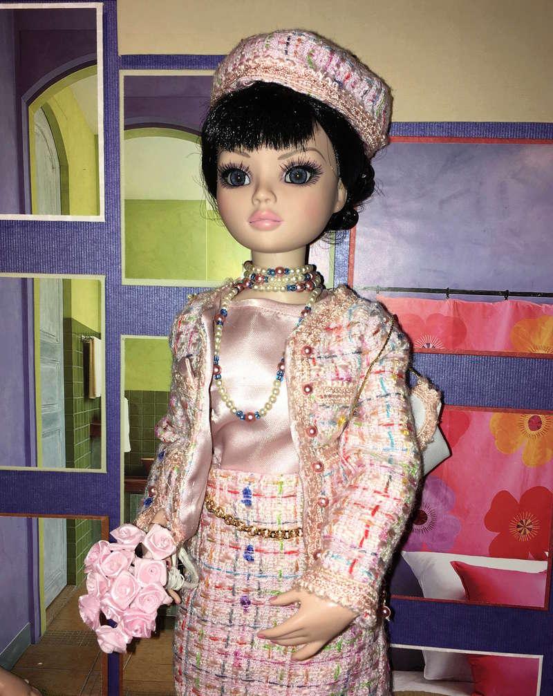 Miss Barbara, une Ellowyne en Chanel - Page 3 Img_1635