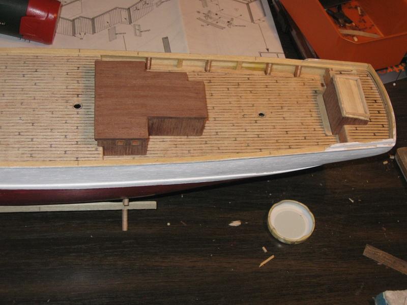 Pourquoi-Pas. Maquette 1/75e de Billing Boats - Page 4 Img_2394