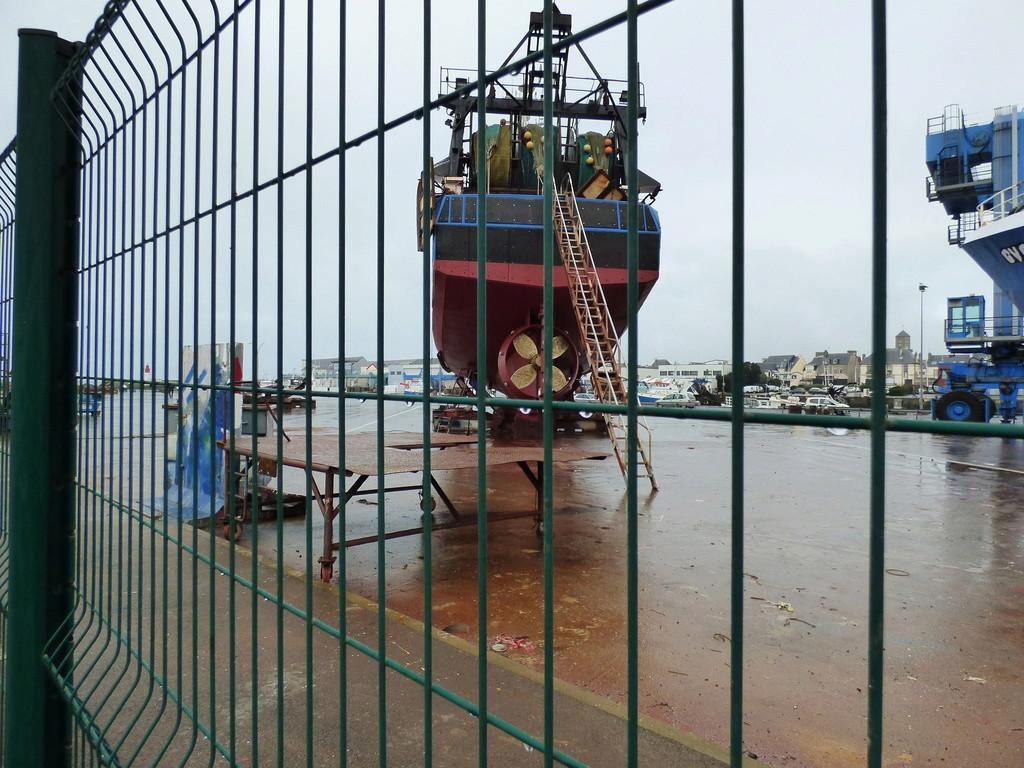 [Activité des ports] Le Guilvinec - Page 9 P1070113