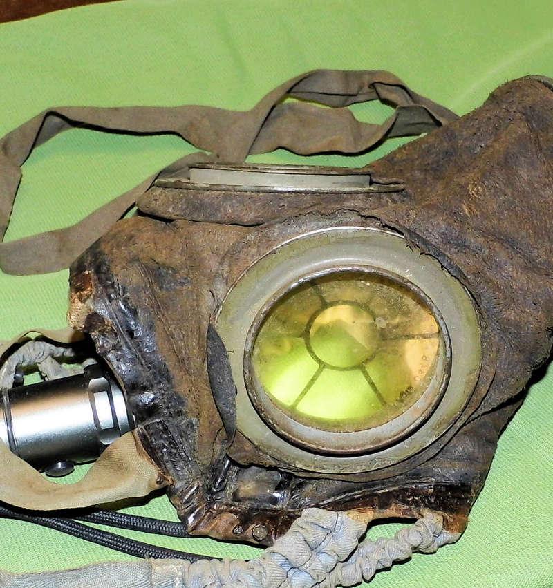 un masque à gaz WWI allemand émouvant, hommage. Masque11