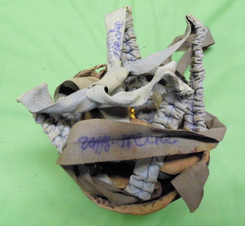 un masque à gaz WWI allemand émouvant, hommage. Masque17