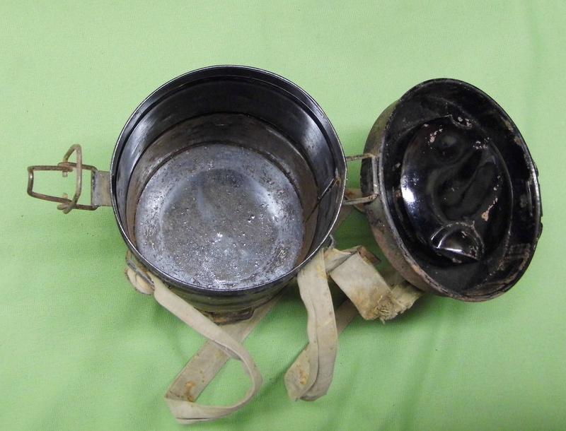 un masque à gaz WWI allemand émouvant, hommage. Masque20