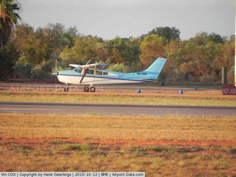 Aeronautical activity in my club! Vh-cox10