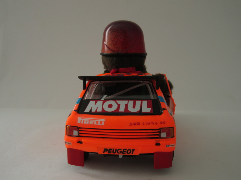 "Peugeot 205 EV 2 ""c'est parti mon Monchhichi"" Img_1011"