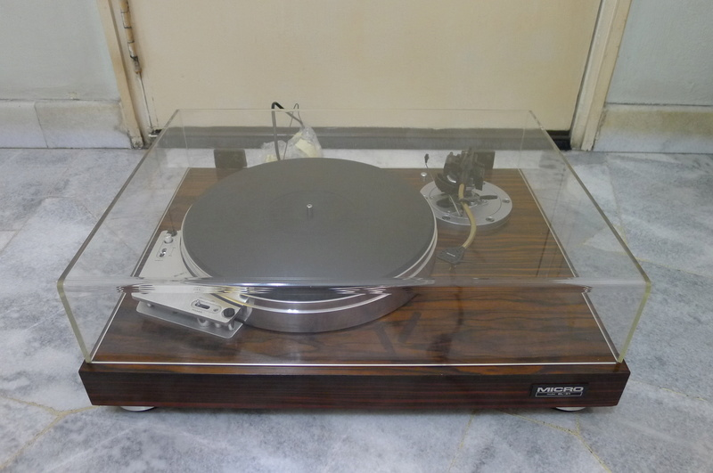 Micro Seiki BL-91 Turntable with SME 3009 Series III Tonearm