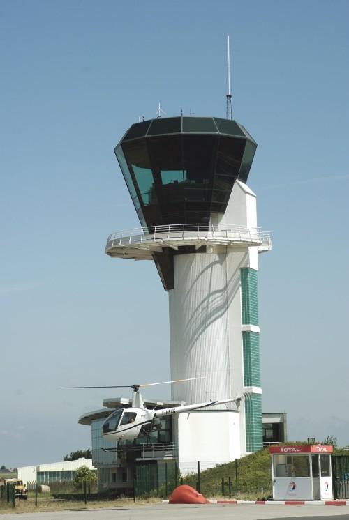 Aéroport d'Ebur Imgp5310