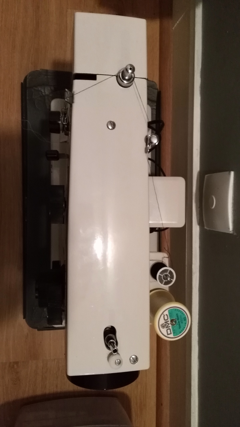Problème machine à coudre Img_2012