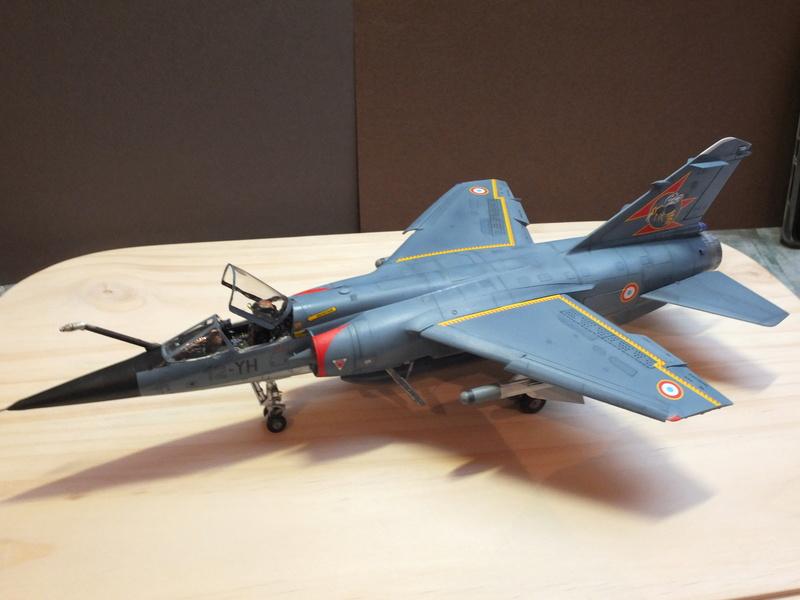 Les  Mirage F1 dans les ateliers Fouga S0132011