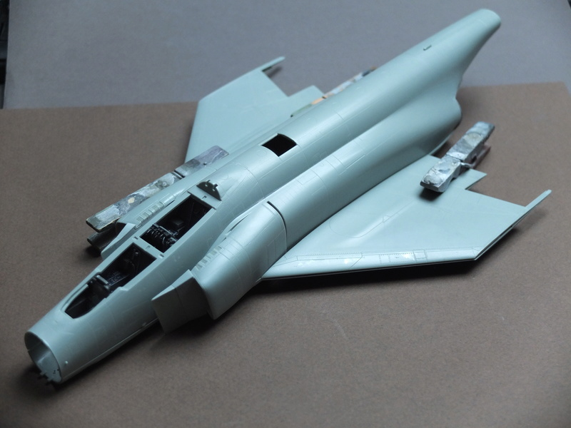 Le F4 C en camo guerre du Vietnam... - Page 2 S0402011