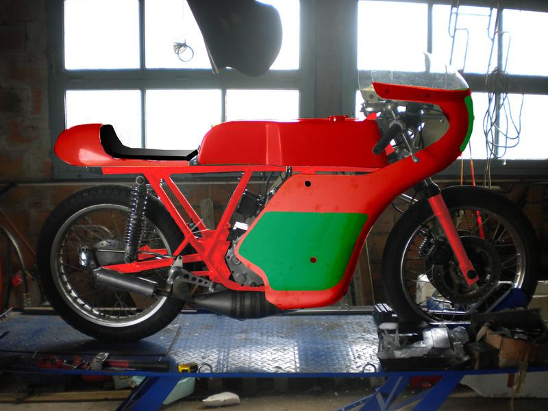 Guzzi 250 corsa - Page 4 Dec4010