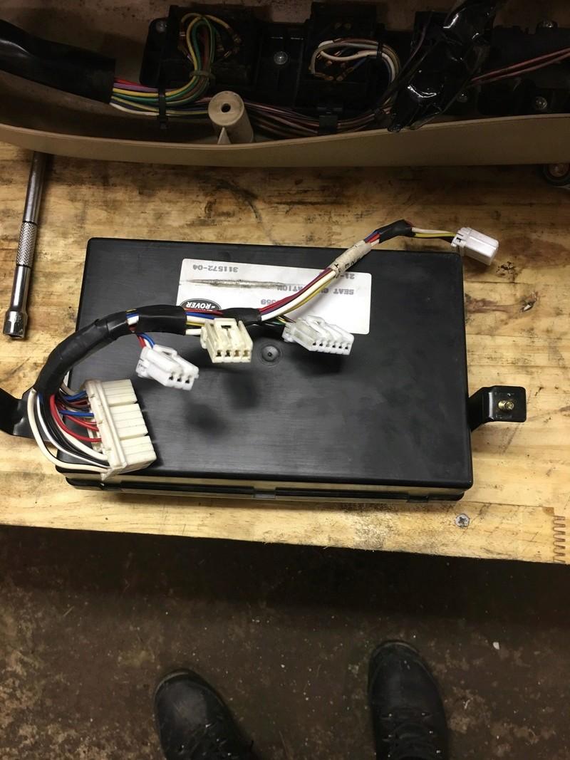 branchement siege electrique sur vehicule non cablé  30582010