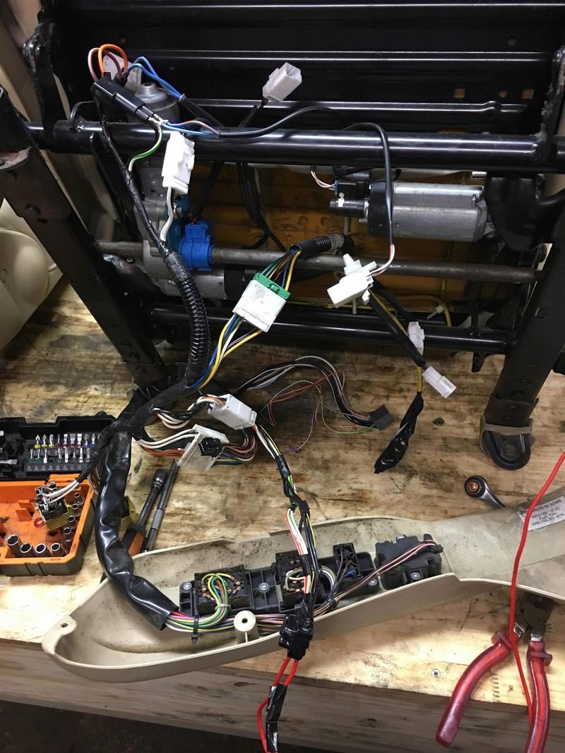 branchement siege electrique sur vehicule non cablé  30629210