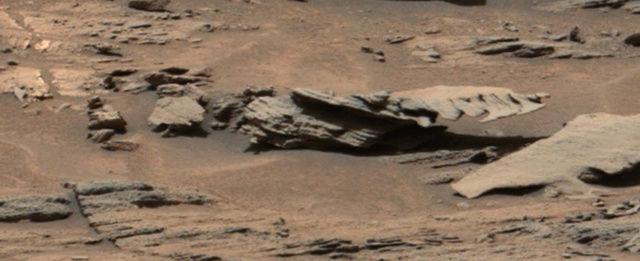 Extraños objetos en una imagen del Curiosity en Marte Marte_11
