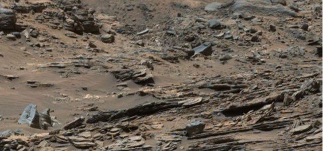 Extraños objetos en una imagen del Curiosity en Marte Marte_21