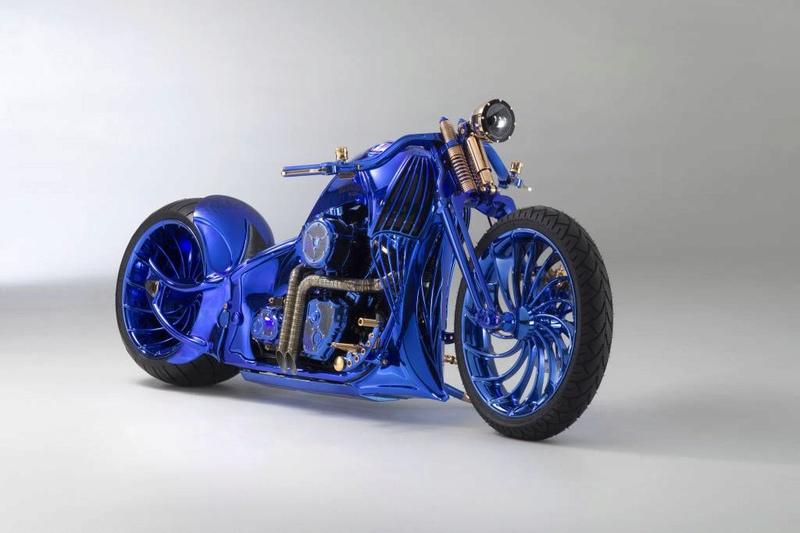 Une moto estimée à 1 583 143 € Bluedi10