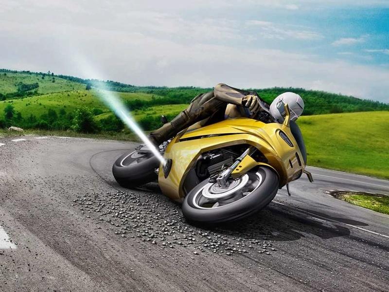 évolution moto : un jet de gaz pour éviter les glissades Bosch_10