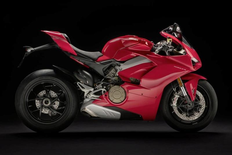 Ducati passe au V4 !  Paniga10