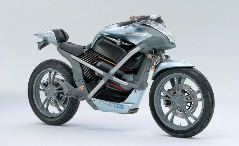 HONDA TRAVAILLE SUR UNE PILE À COMBUSTIBLE !! (et Voxan nous manque !) Suzuki10