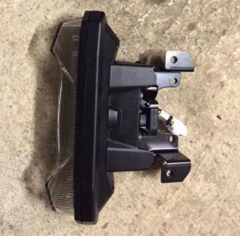 Remontage feux arrière origine MT09 2018-010