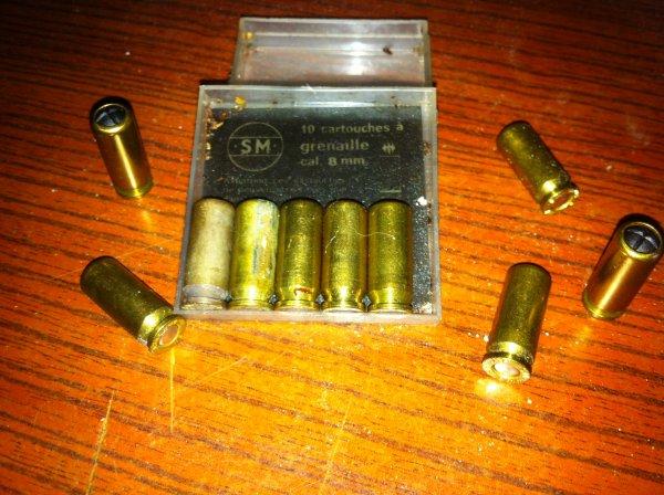 2 très petites douilles à identifier 8mm10