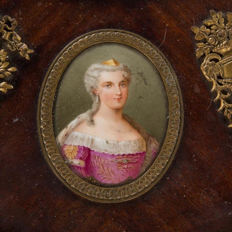 A vendre: meubles et objets divers XVIIIe et Marie Antoinette - Page 8 1142_410