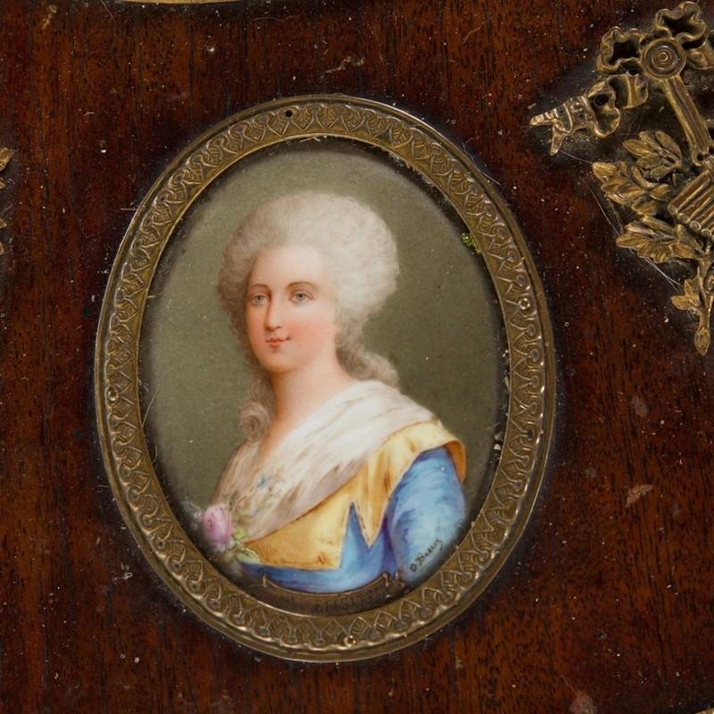 A vendre: meubles et objets divers XVIIIe et Marie Antoinette - Page 8 1142_510