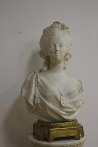 A vendre: bustes Marie Antoinette - Page 7 14571010
