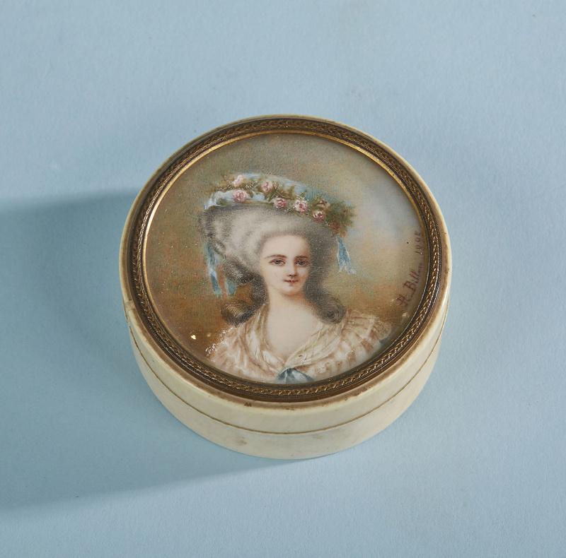 A vendre: miniatures de Marie Antoinette? - Page 5 15096210
