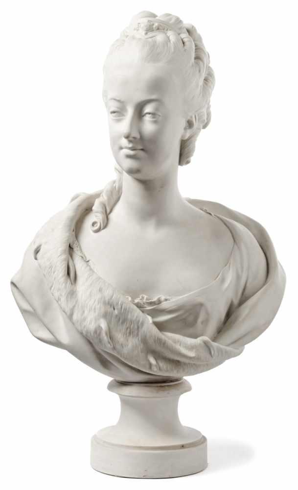 A vendre: bustes Marie Antoinette - Page 7 15220510