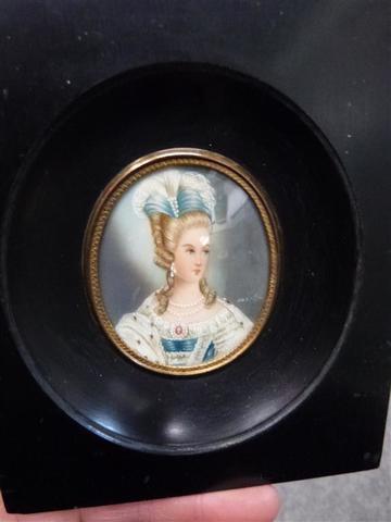 A vendre: miniatures de Marie Antoinette et de ses proches - Page 13 17130810