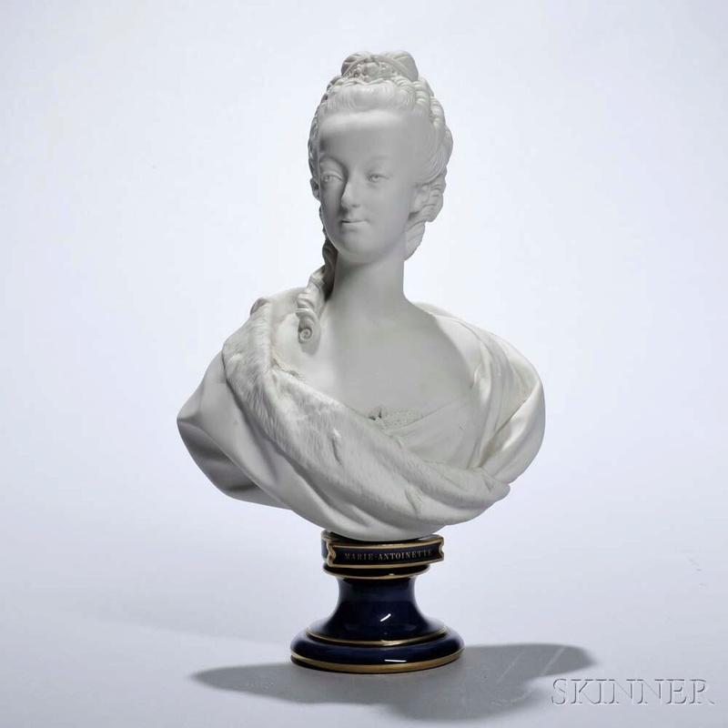 A vendre: bustes Marie Antoinette - Page 7 22659510